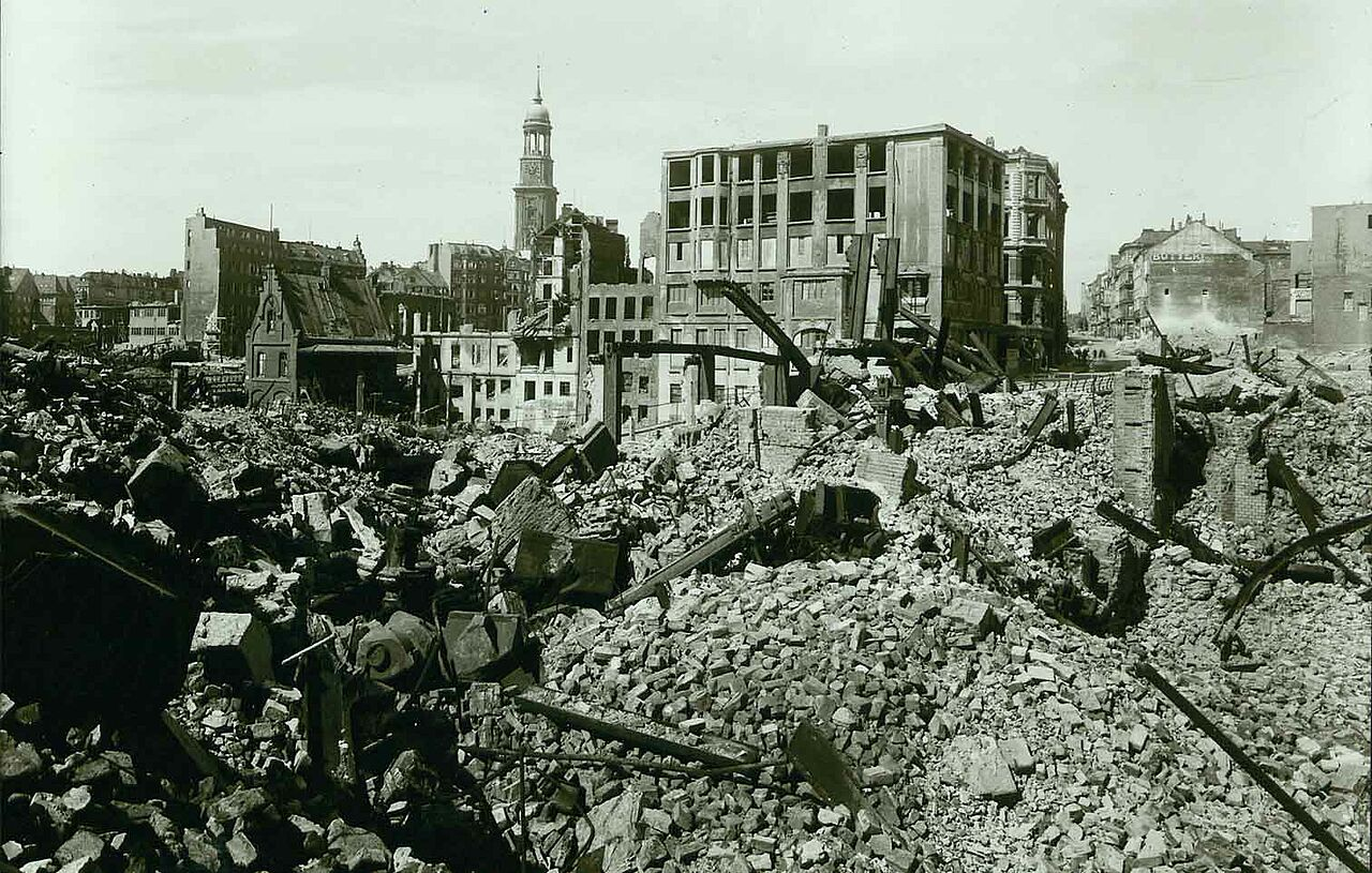 1943-1945: St. Michael's damaged by the bombing strikes
