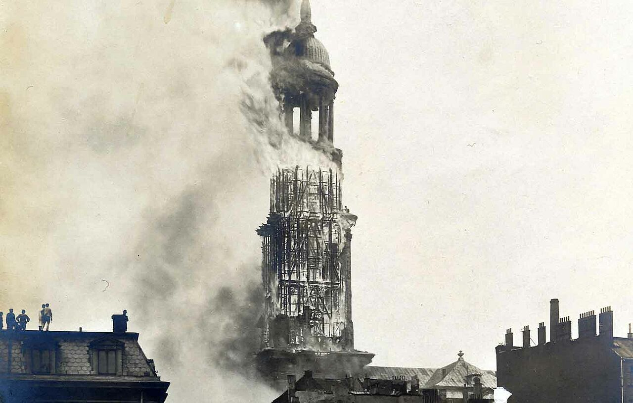 1906: The church is completely destroyed by fire again